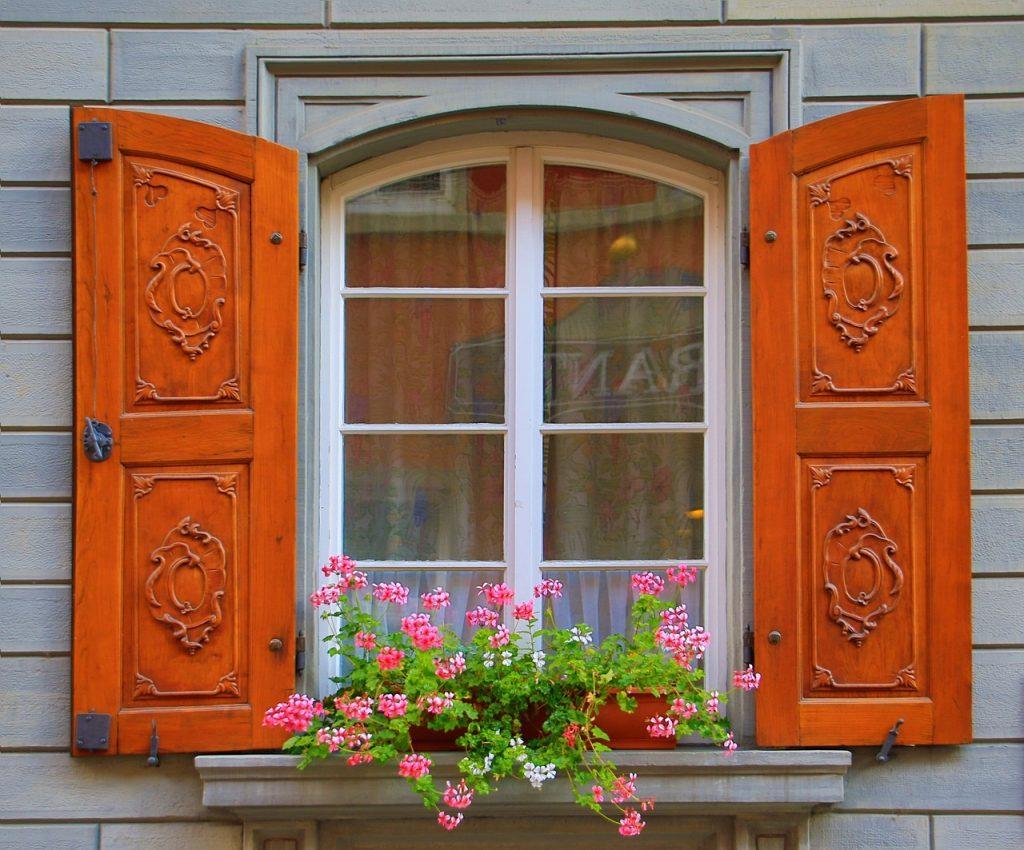 Flertalet fönstertyper arbetar vi med.